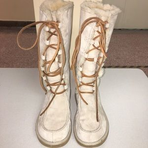 UGG Australia Cozy Warm Shearling Lined Boots - 8